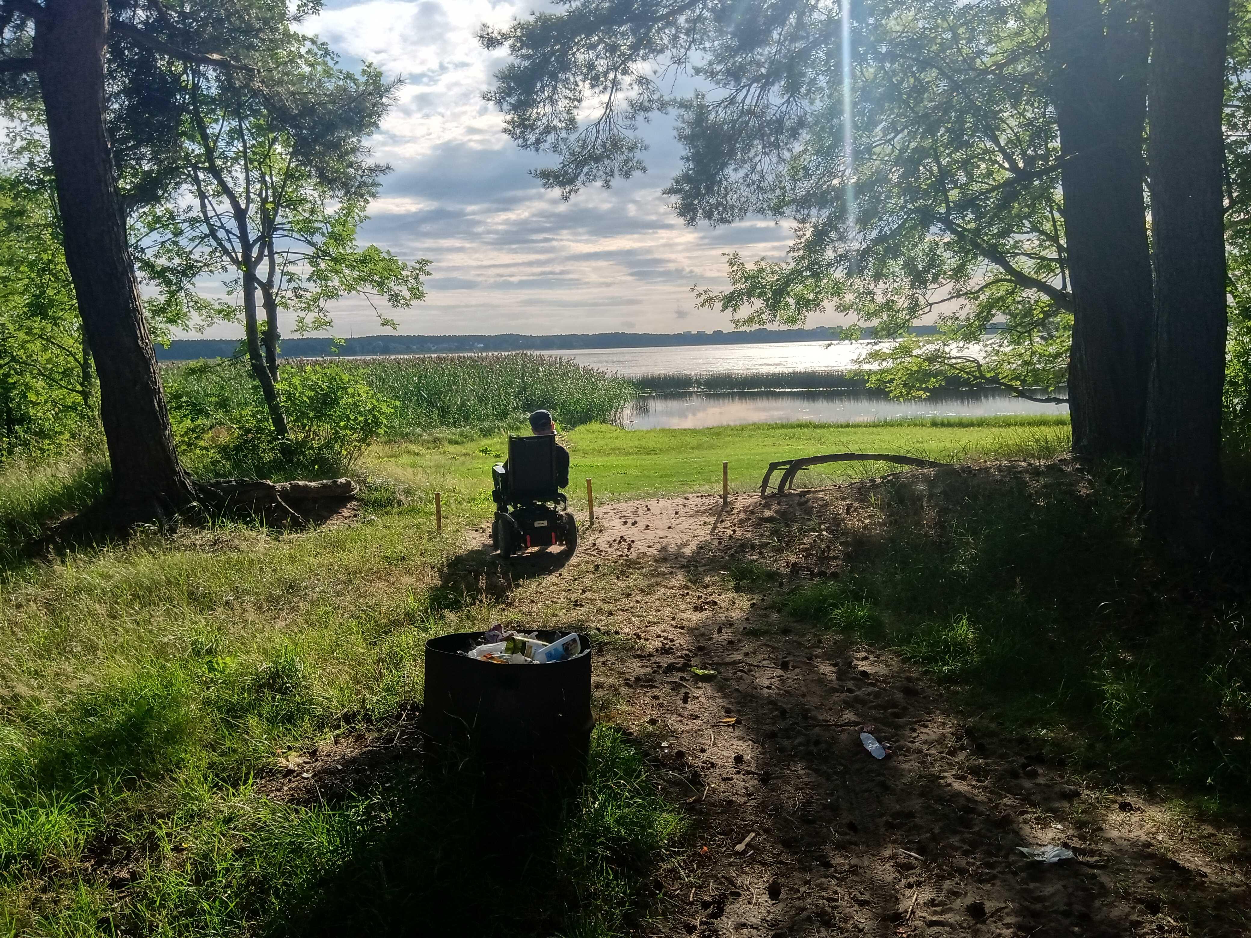 ceļš uz Juglas ezeru