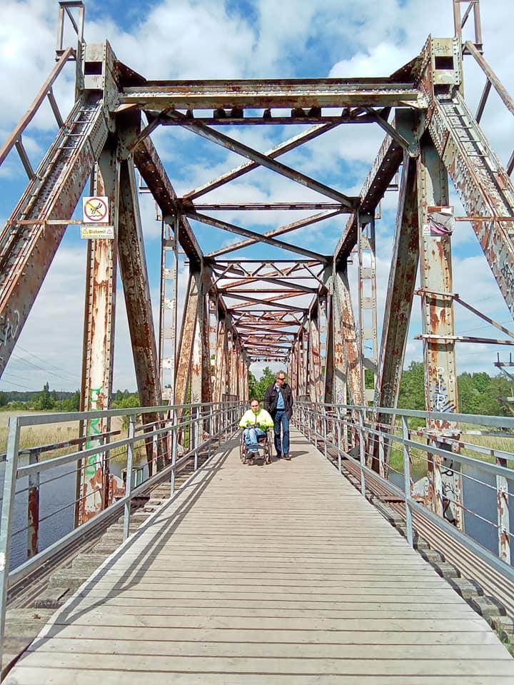 Uz tilta